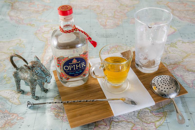 Ophir, licor de manzana y vodka de caramelo.
