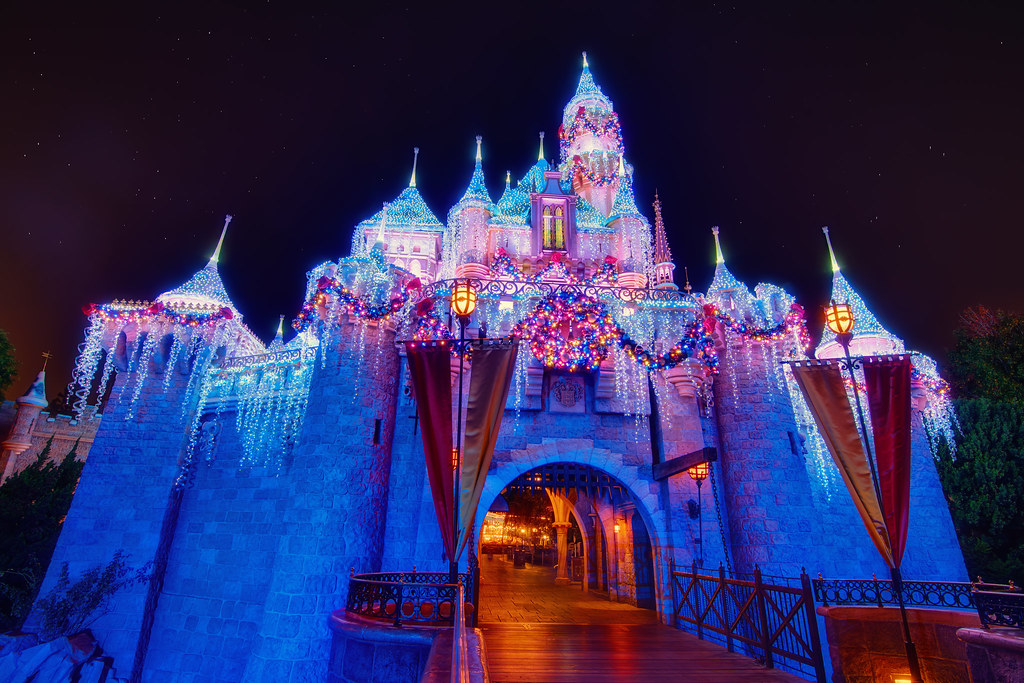 Christmas Beauty Castle - EXPLORE