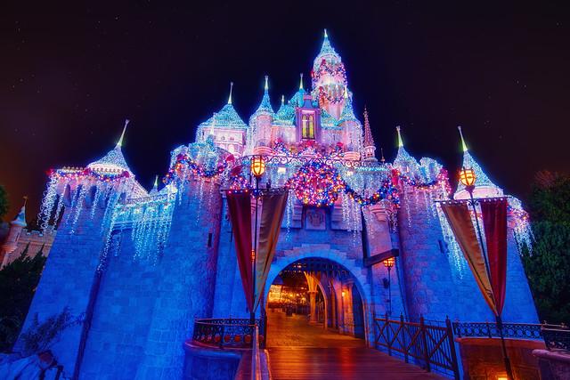 Christmas Beauty Castle – EXPLORE