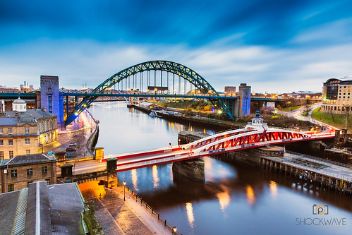 morning bridge blue sunrise river newcastle bluehour northeast newcastleupontyne leefilters leebigstopper 5diii