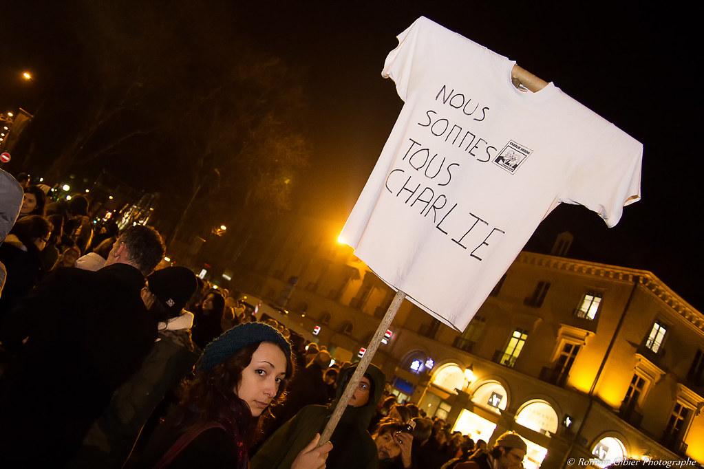 Rassemblement de soutien à Charlie Hebdo Tours de Romain Gibier, sur Flickr