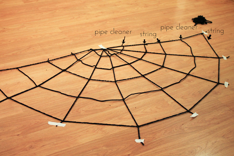 Easy spider web & spider DIY-011