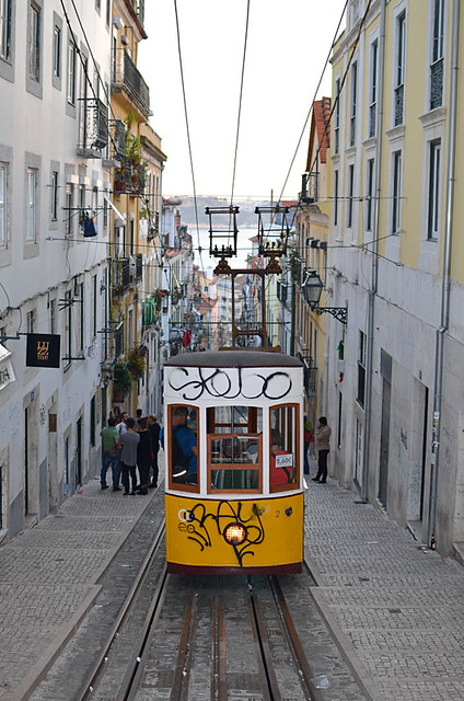 Tram, Rua da Bica, Bairro Alto, Lisbon