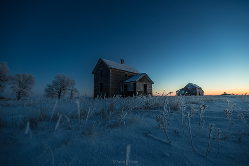 blue trees winter usa house cold abandoned ice metal sunrise canon stars photography dawn was j frozen long exposure groen frost south aaron forgotten single hour what prints below once behind prairie left zero dakota subzero 50iso 6d homegroen