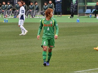 青いスパイクを履くU-23日本代表高橋祥平選手