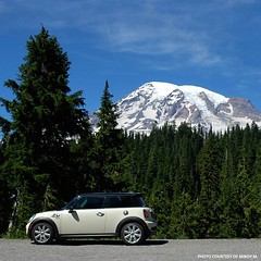 When you're motoring, Mondays aren't necessarily a bad thing. Nice shot, Mindy M. #MINIMonday - photo from miniusa