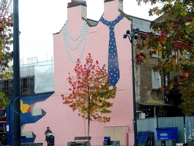 Depford High Street Street Art, fall end London