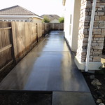 Large Side Yard Concrete In Suisun