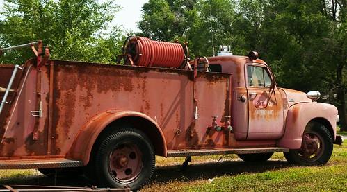 usa abandoned america truck us midwest ks firetruck kansas smalltown pammorris pamspics richmondkansas nikond5000