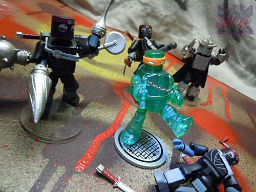 Nickelodeon  TEENAGE MUTANT NINJA TURTLES ; MINIMATES :: MUTAGEN MICHELANGELO xv / ..vs. M.M. FOOT CLAN (( 2014 ))