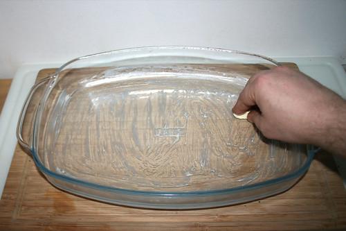 43 - Auflaufform ausfetten / Grease casserole