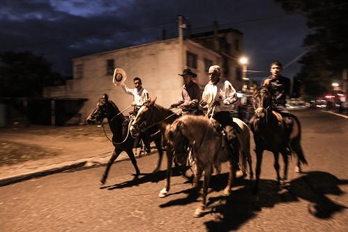Jinetes mostraron habilidad con sus caballos.