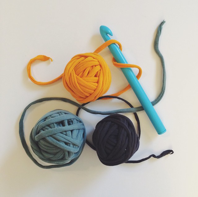 t shirt yarn with large crochet hook