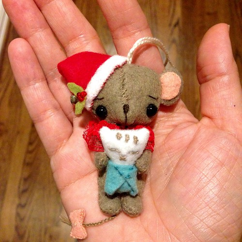 Gingermelon tiny mouse with swaddled kitten ornament
