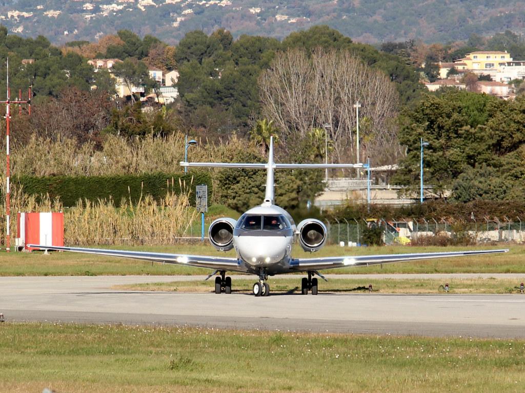 Aeroport Cannes-Mandelieu , LFMD , Janvier 2015 16213814611_aaa56e3f95_b
