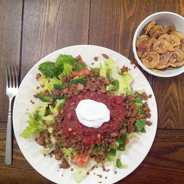Finishing up day 9 of #whole30 ... with none other than Mexican food. This is a taco salad made with romain, roma tomatoes, bell pepper, a mixture of ground turkey and ground beef (seasoned with homemade, compliant taco seasoning), topped with compliant s