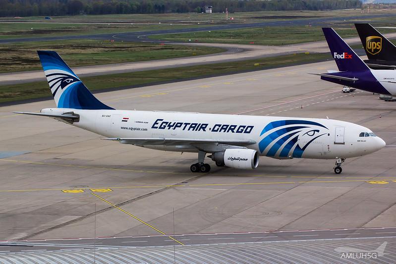 Egyptair Cargo - A302 - SU-GAC (1)