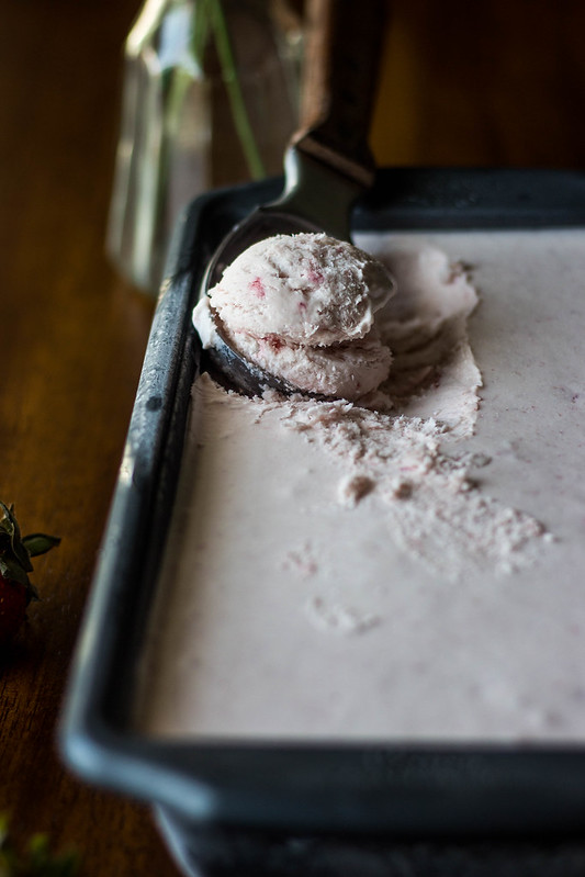 Strawberry compote no-churn ice cream with a whisky chocolate fudge sauce // TermiNatetor Kitchen