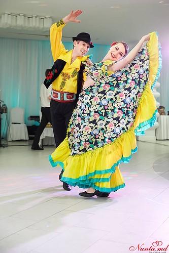 """Танцоры на свадьбу и других торжеств Ансамбль """"Mărțișor"""" > Фото из галереи `О компании`"""