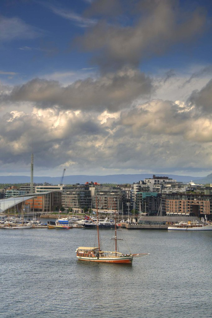 Hotels in Oslo   Click here to book your hotel stay in