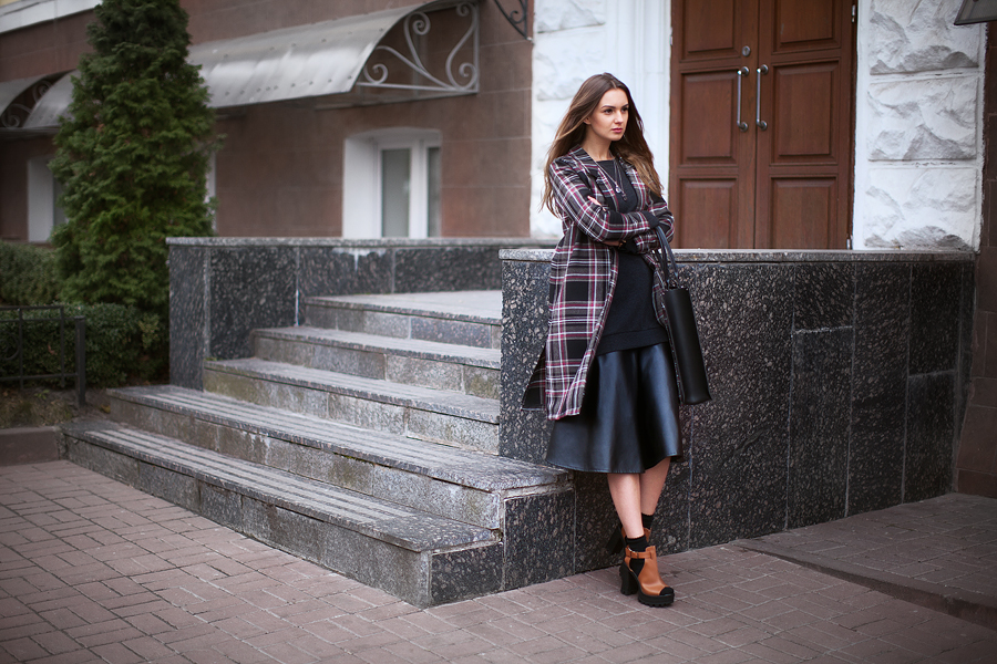 plaid-coat-street-style-outfit