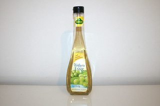 16 - Zutat Weißweinessig / Ingredient white wine vinegar