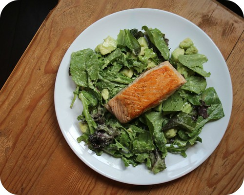 Seared Salmon Salad with Avocado Vinaigrette
