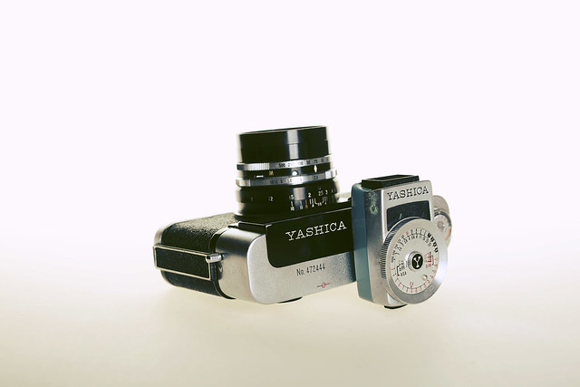 Yashica YEM35 Super light meter @ Yashica 35 YL rangefinder