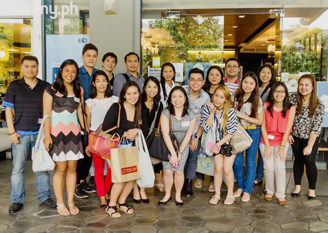 Bloggers and Yummy Team after the Trinoma Food Crawl
