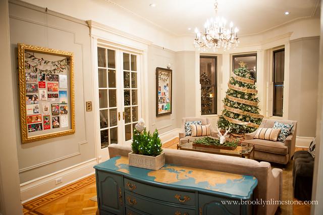 ChristmasLivingRoom_brooklynlimestone-3