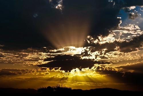 sunset sky españa sun sol clouds atardecer spain europa europe sony cel cielo nubes aragon alpha nuvols espanya a300 arago capvespre dslra300 joangarciaferre gemicr gemicr69