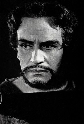 Laurence Olivier in MacBeth