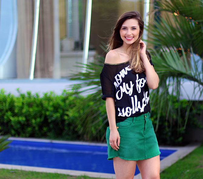 05-look saia jeans verde e blusa preta naguchi blog sempre glamour