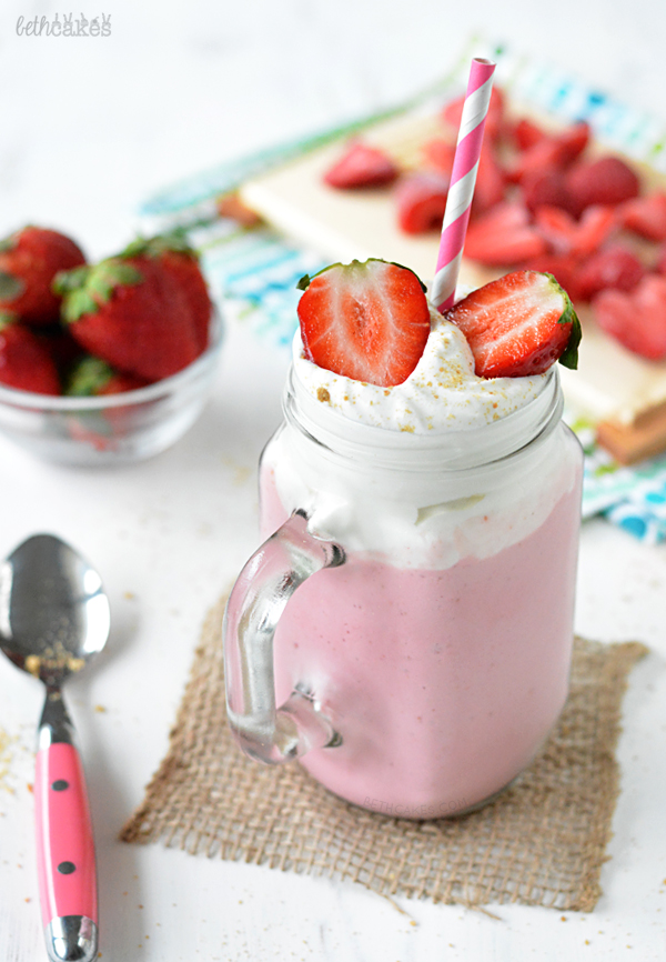 Strawberry Cheesecake Smoothies! bethcakes.com