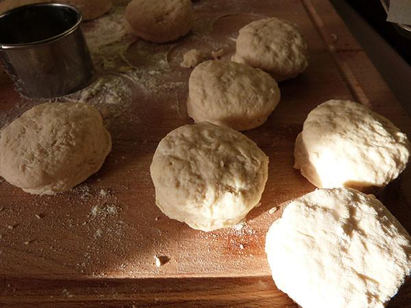 scones crus