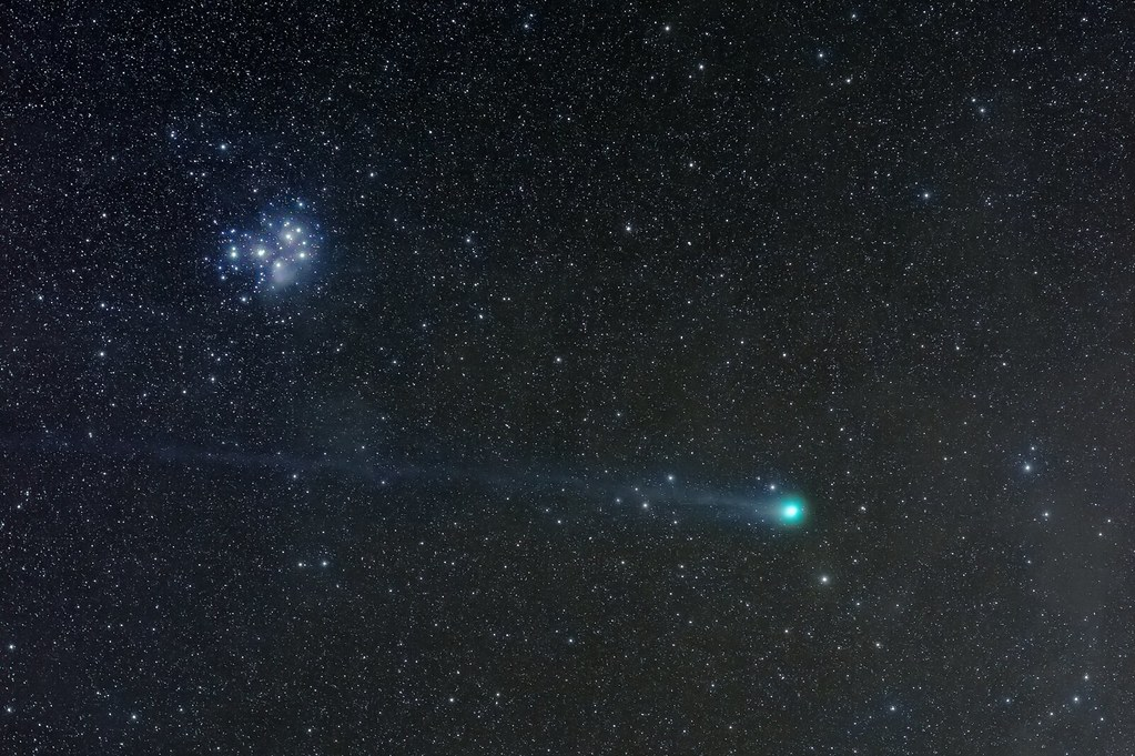C/2014 Q2 Lovejoy passing the Pleiades