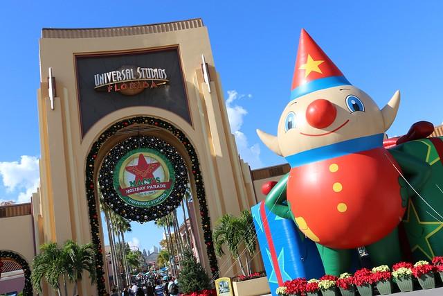 Christmas kicks off at Universal Orlando with an updated parade ...