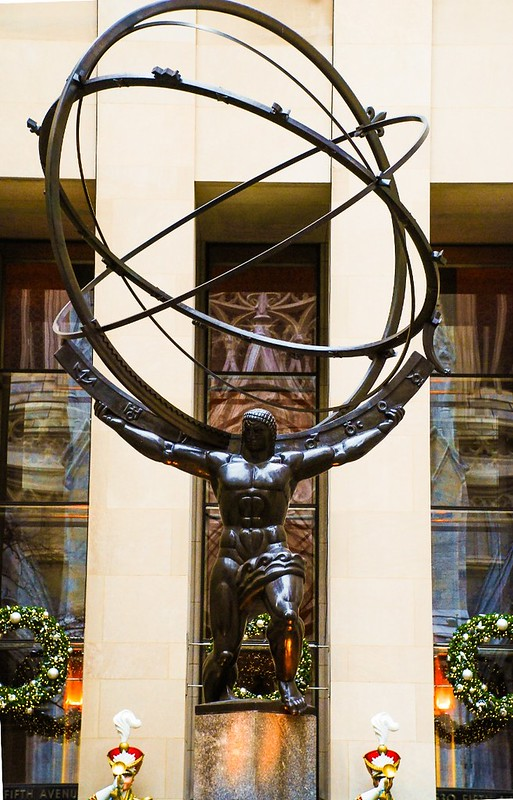 Atlas statue at Rockefeller Center NYC