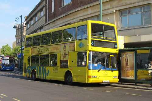 DB414 Y414CFX Yellow Buses
