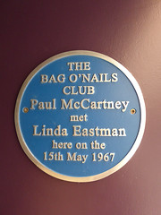 Photo of Paul McCartney and Linda Louise McCartney blue plaque