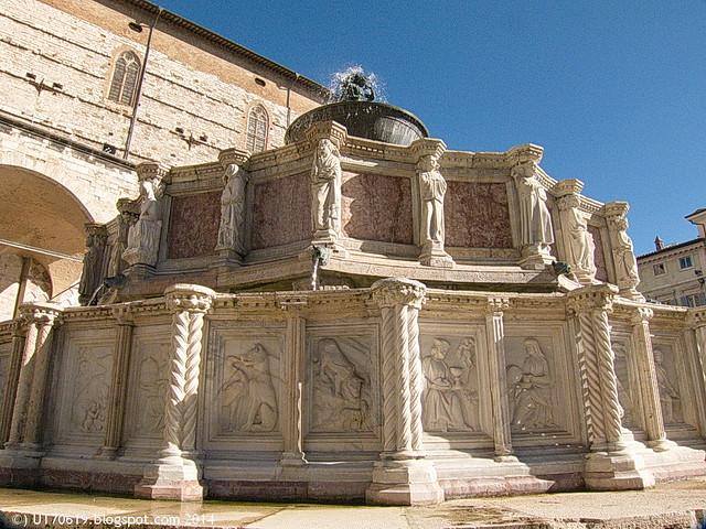 Perugia - Fontana Maggiore2