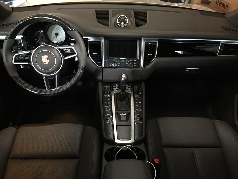 My Agate Grey Interior Pics Page 3 Porsche Macan Forum