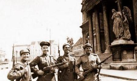 Soldados rusos en Viena