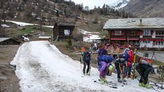 Podejscie do stacji kolejki w Furi, Zermatt.