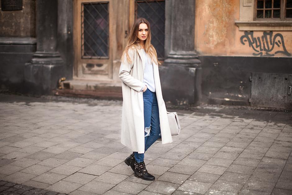 gray-maxi-coat-street-style-blogger