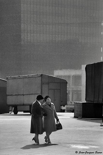 0213 - Les Dames de La Défense, 1975
