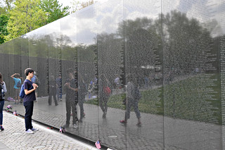 http://hojeconhecemos.blogspot.com/2014/11/do-vietnam-veterans-memorial-washington.html