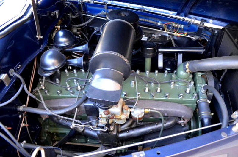 47007_G Packard Custom Super Clipper 356CI 8CYL 3SPD Club Sedan_Blue