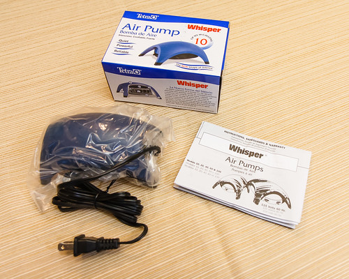 Tetra Whisper Model 10 Air Pump with box and instructions