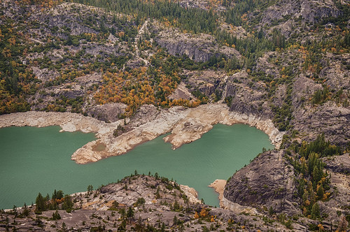 california lake fall colors fallfoliage stanislausnationalforest stanislausriver sonorapass donnelllake donnellsdam
